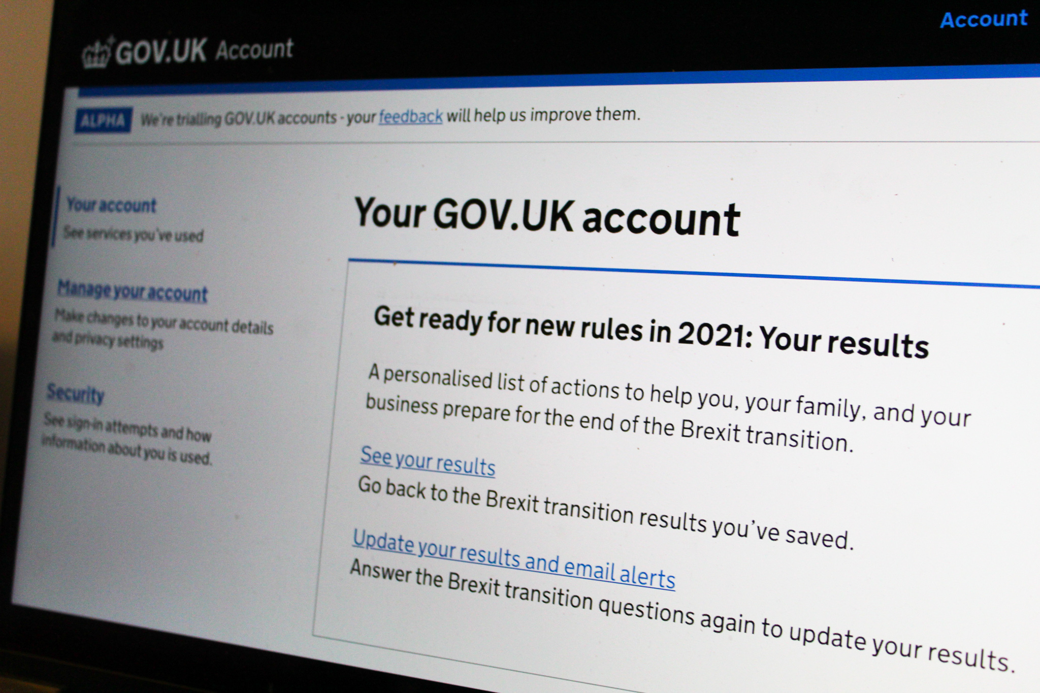 The technical architecture behind a GOV.UK account
